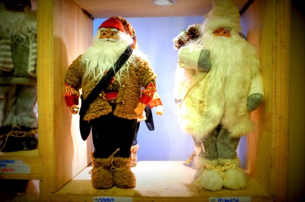 Bonecos de Papai Noel na XMAS Decor para decorar sua Árvore de Natal