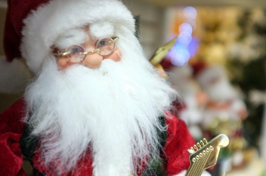 Bonecos de Papai Noel na XMAS Decor