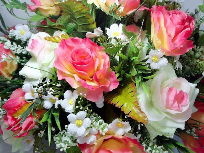 flores artificiais na xmas decor
